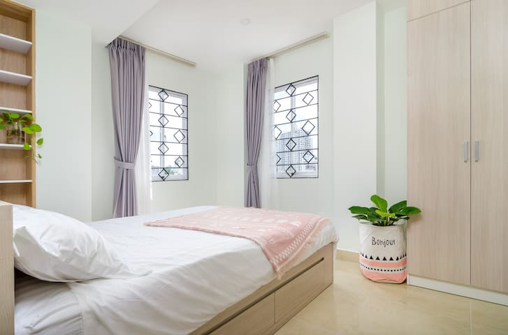 303 PlaceinSaigon Apartment