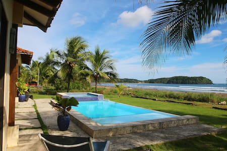 Directly on Playa Venao, sleeps 8-10+