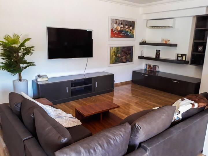 Clean and comfy studio apartment !!!