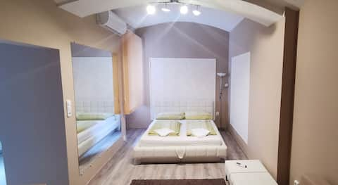 H-Sopron Center, belvarosi csendes lakás