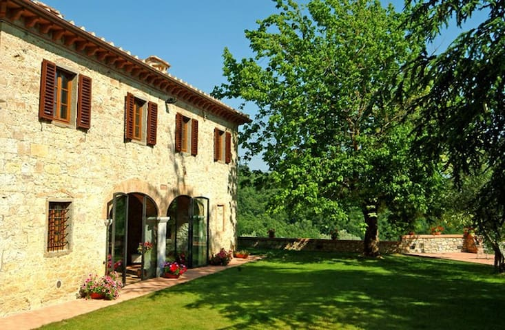 Lucignano Secondo - Le Logge - Gaiole in Chianti - Villa