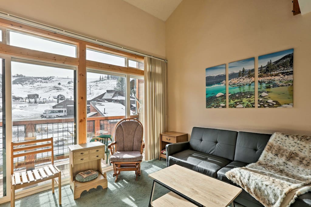 Nestled right against the ski hill, this rental is a perfect Tahoe Donner getaway for 4.