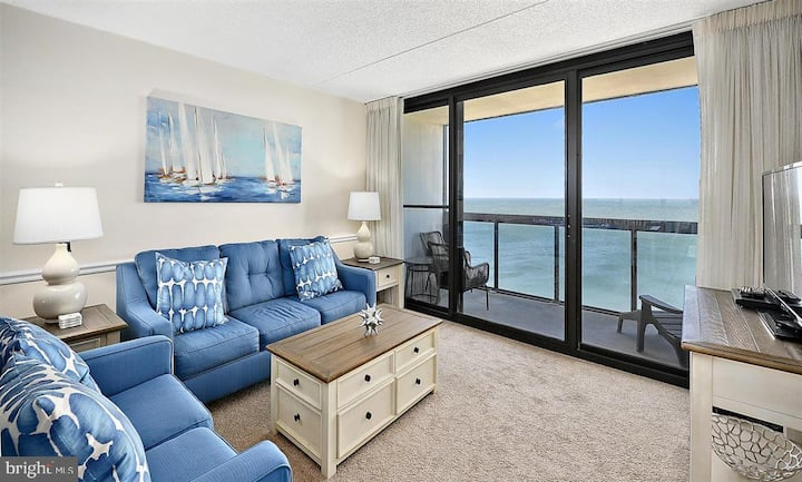 Direct Oceanfront with a View and Amenities Galore