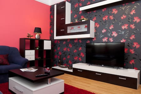 MODERN APARTMENT IN THE CITY CENTER - Arad