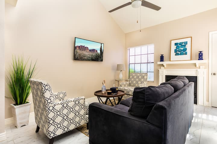 ♥ Cute Remodeled Home in Mesa | Pool | BBQ Grill ♥
