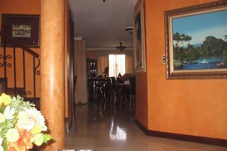 Casa de Jose Antonio - House