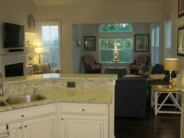 Only Waterfront Rental - Millville - Apartemen