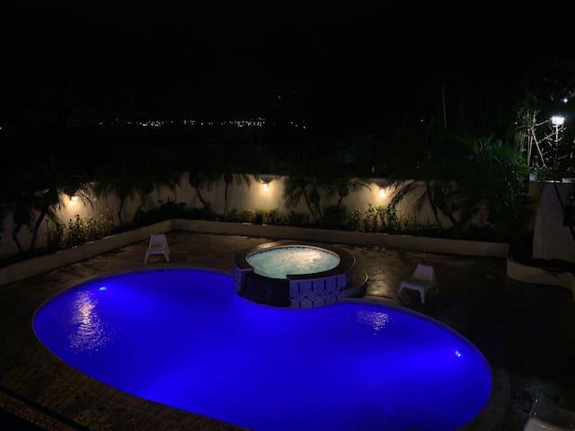 Cerro Alto Exclusive Villa fits 16+!