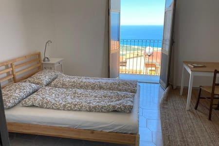 Studio mit toller Aussicht in San Marco d'Alunzio
