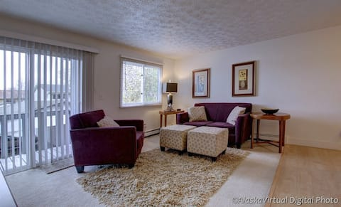 Cozy Fully Furnished Apartment in Anchorage