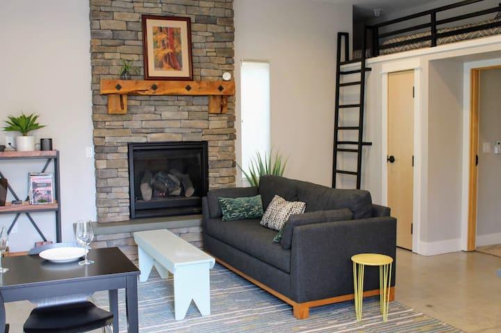 The Hub—Apartment @ Downtown & Historic Dist