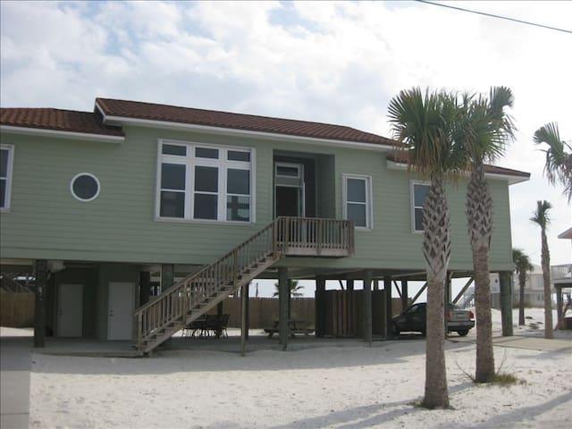 Pensacola Beach Gulf-Side Home - Great Value! - Pensacola Beach - Rumah