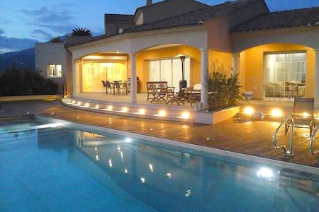 Spacious villa with panoramic view - Viggianello