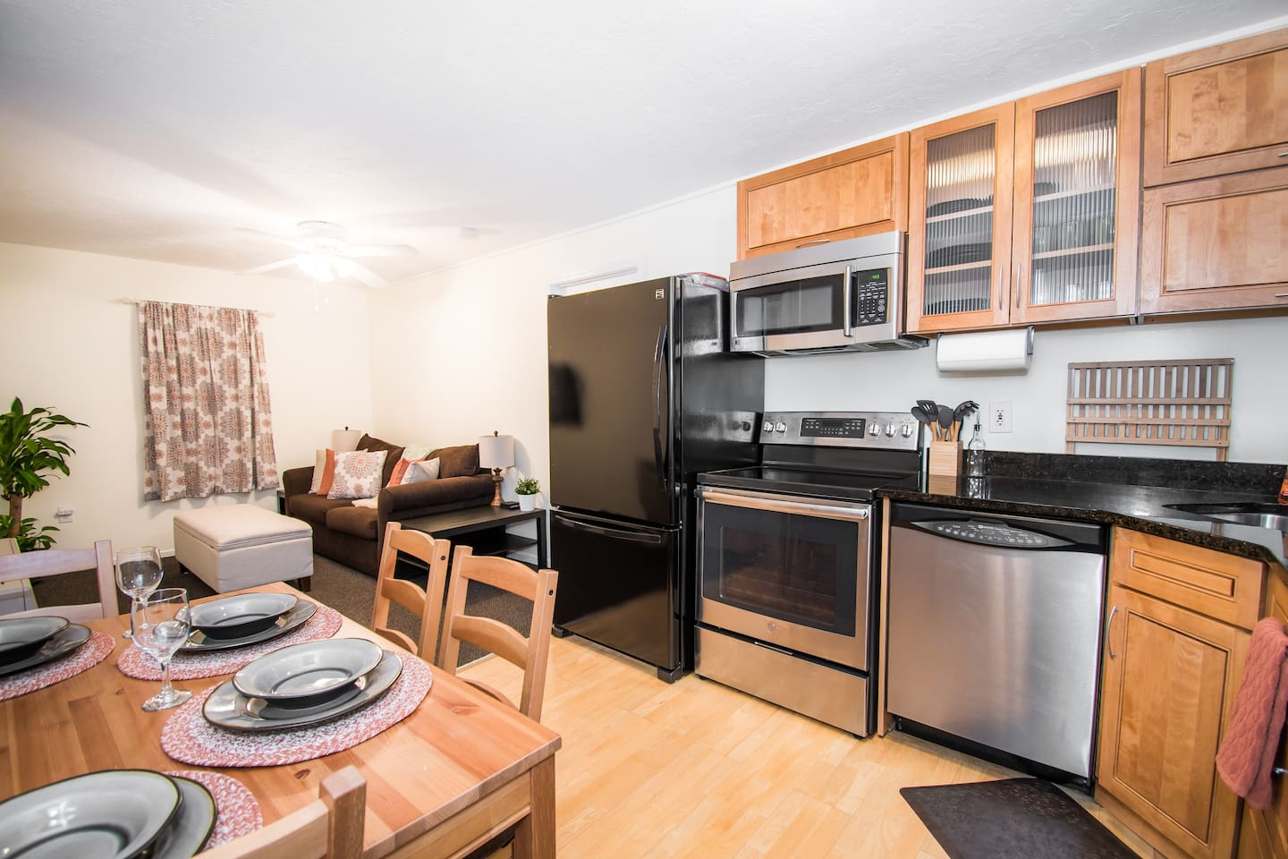 Fully Stocked Kitchen / Stovetop & Oven / Fridge with Ice Maker / Dishwasher / Quality Pots & Pans / Spices, Oil, Cooking Supplies / Eat In Area for 4 / Place Settings for 8+