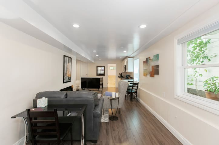 The Suite! Large cozy studio with private entrance