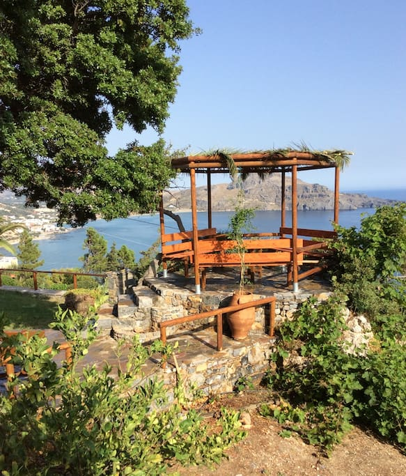 Observation point at the garden for endless sea view