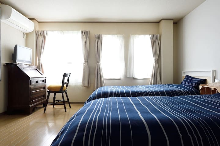 6F: Western style room 2