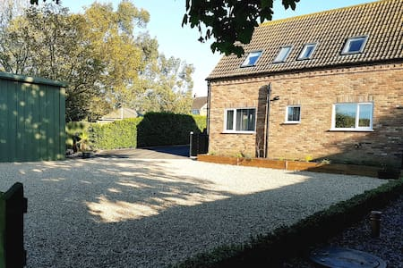 Private, Rural and self contained Lodge. Sleeps 7