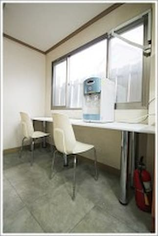 In hongdae! Clean & Comfortable room