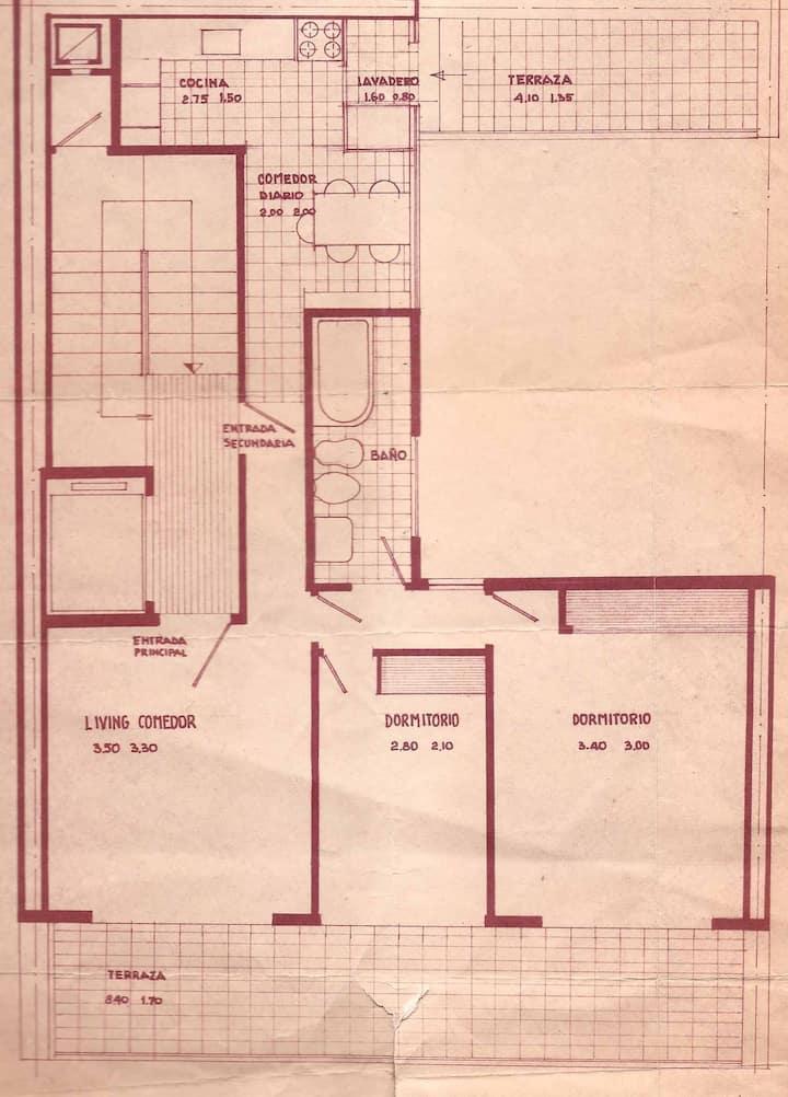 Piso tres ambientes con amplio balcón terraza