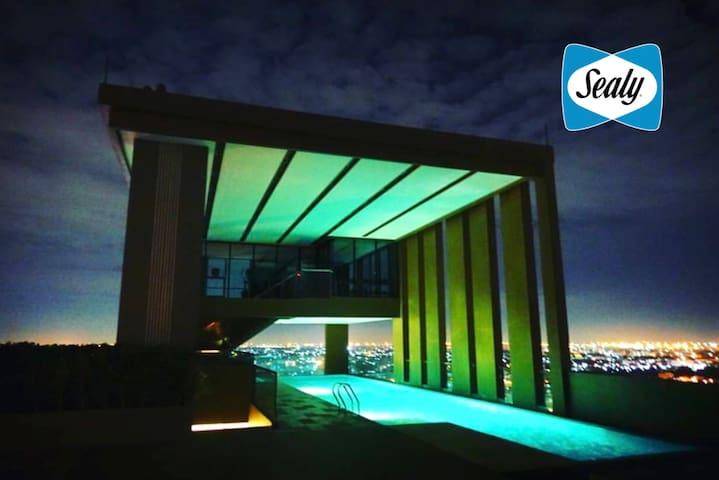 Super Modern 1 BR Flat • walk to Skytrain • Bangna