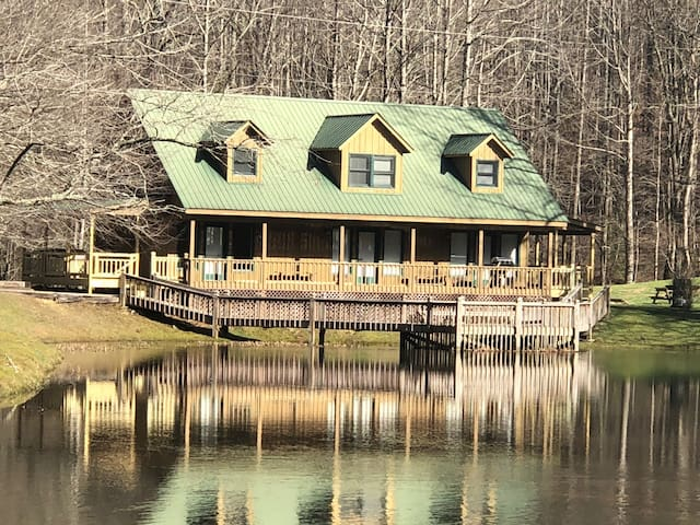 Mountain View Cabin - Waterfalls PET FRIENDLY