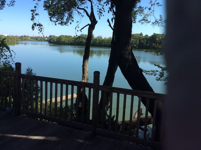 Lakefront house - โพรวิเดนซ์ - บ้าน
