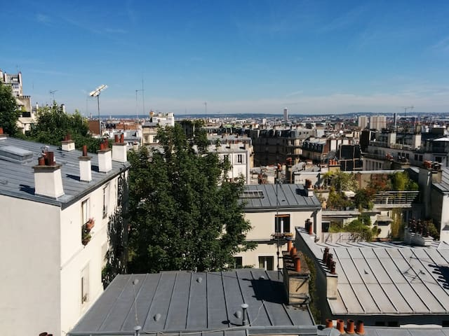 F1 in the heart of Montmartre-view Paris Rooftops - Paryż - Apartament