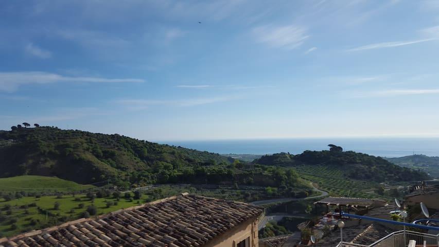 Badolato un Girino al Borgo ed al Mare. - Badolato - Dům
