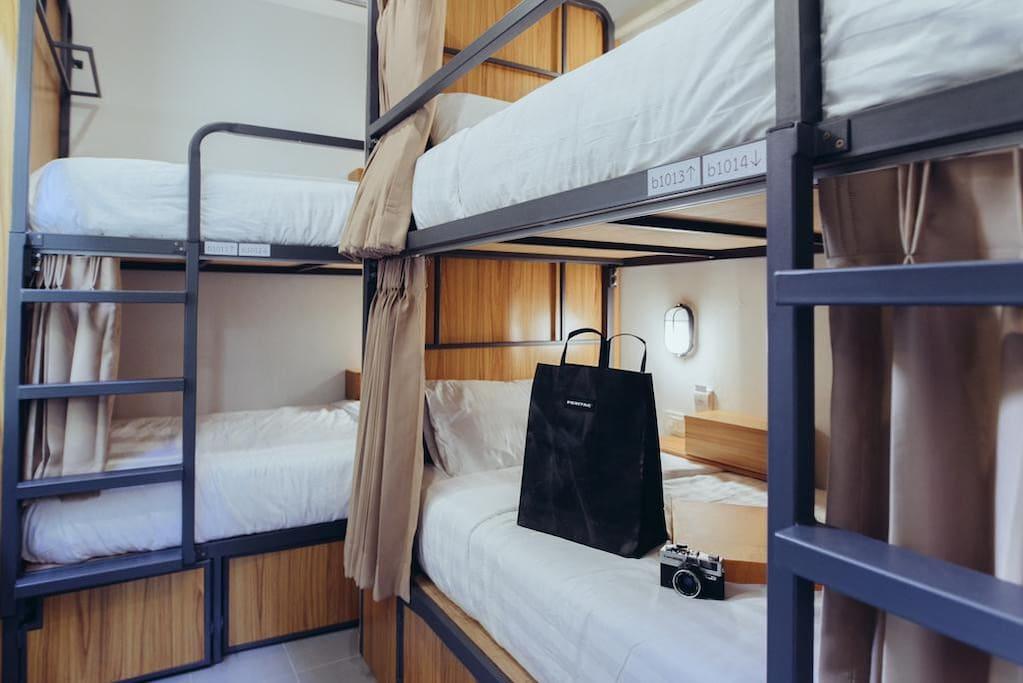 4 Bunk Bed Mixed Dorm