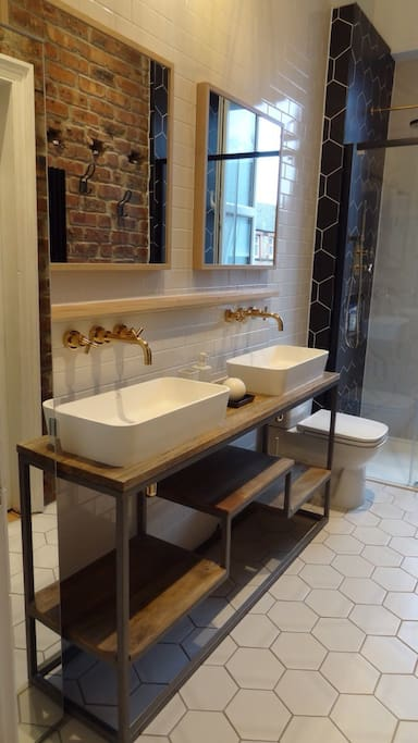 His and Hers sinks in the Bathroom. Large Powerful Shower.