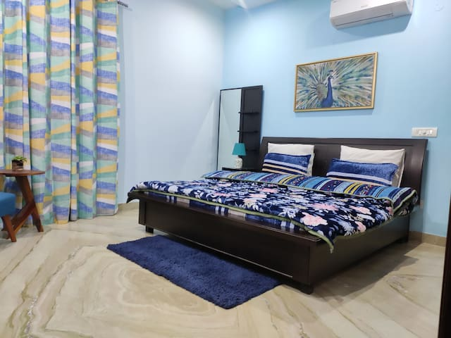 Cozy private room in Mohali