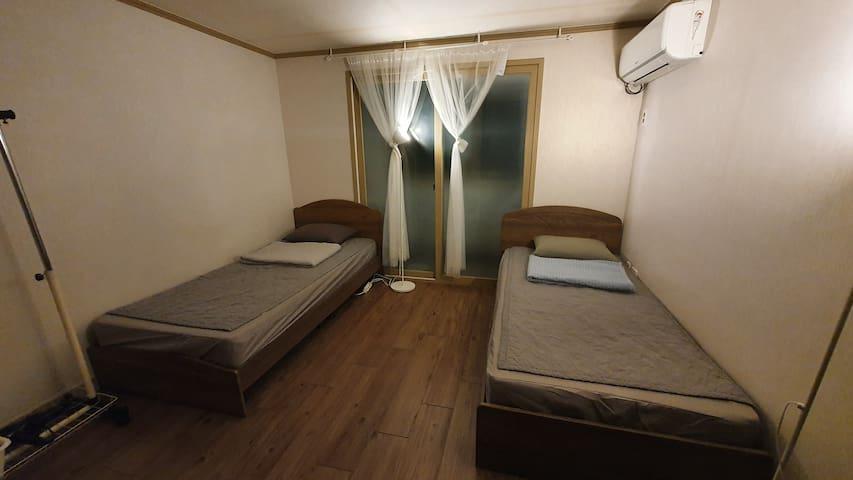 아늑한 침대 2개 방