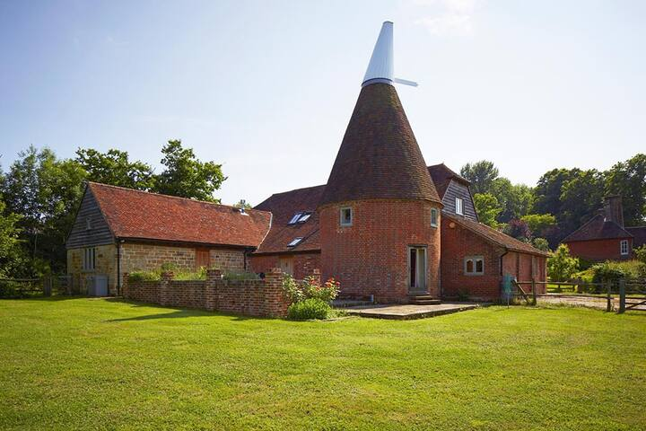 Fantastic Renovated Oast House