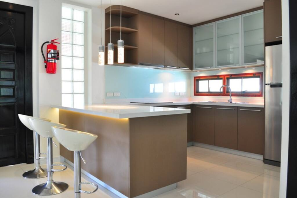 Smart Kitchen with Well-Equipped, Electric Stove, Oven...