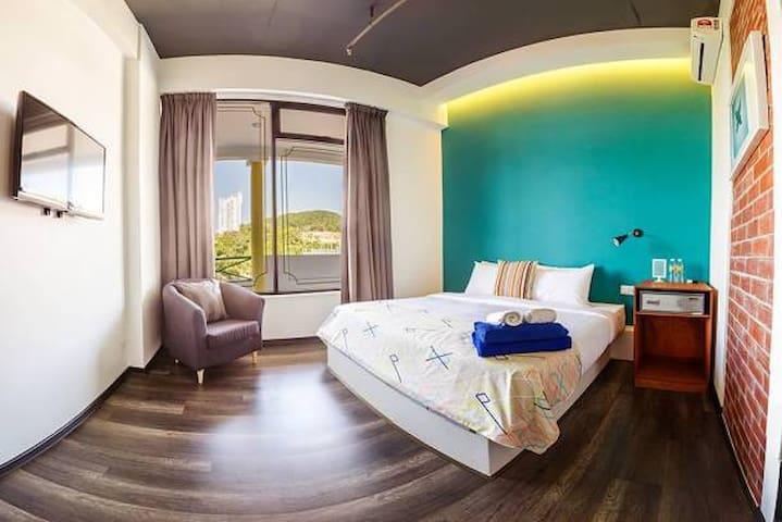 Roomies SuItes at Batu Feringghi