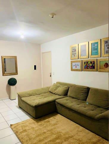Apto confortável com 2 quartos, piscina, Wi-Fi/ar