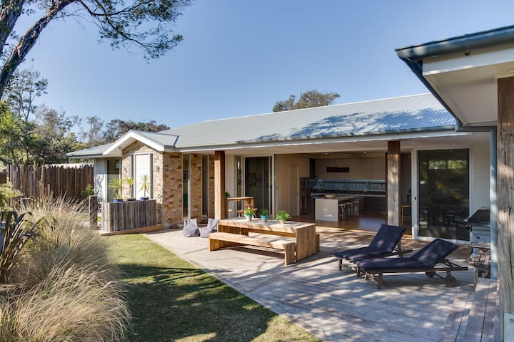 STYLISH - WALK TO BEACH & VILLAGE - Blairgowrie - Casa