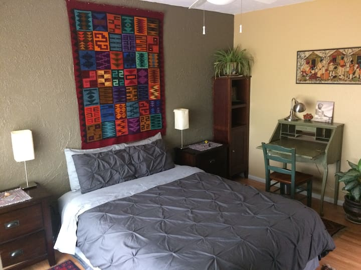 Healing Retreat Temple: North Bedroom
