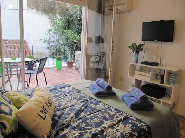 Cozy Recoleta studio w/a terrace, near the subway