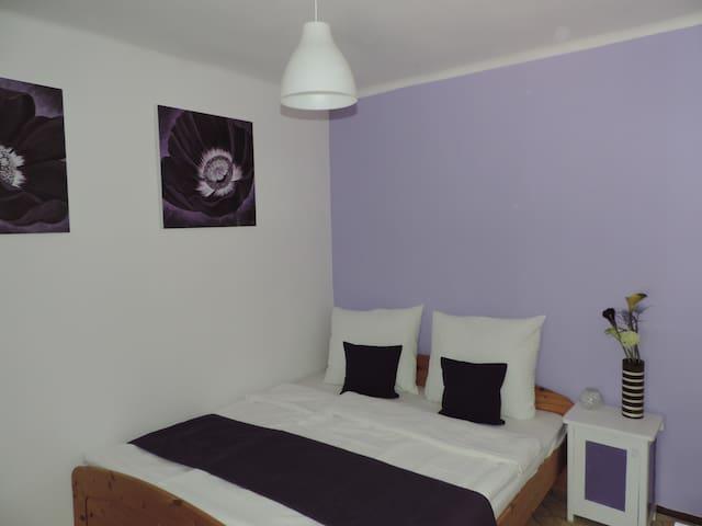Room 3 - Zamárdi - Ev