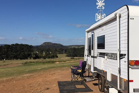 Caravan in the Clouds with stunning country views - Woodend - Wohnwagen/Wohnmobil
