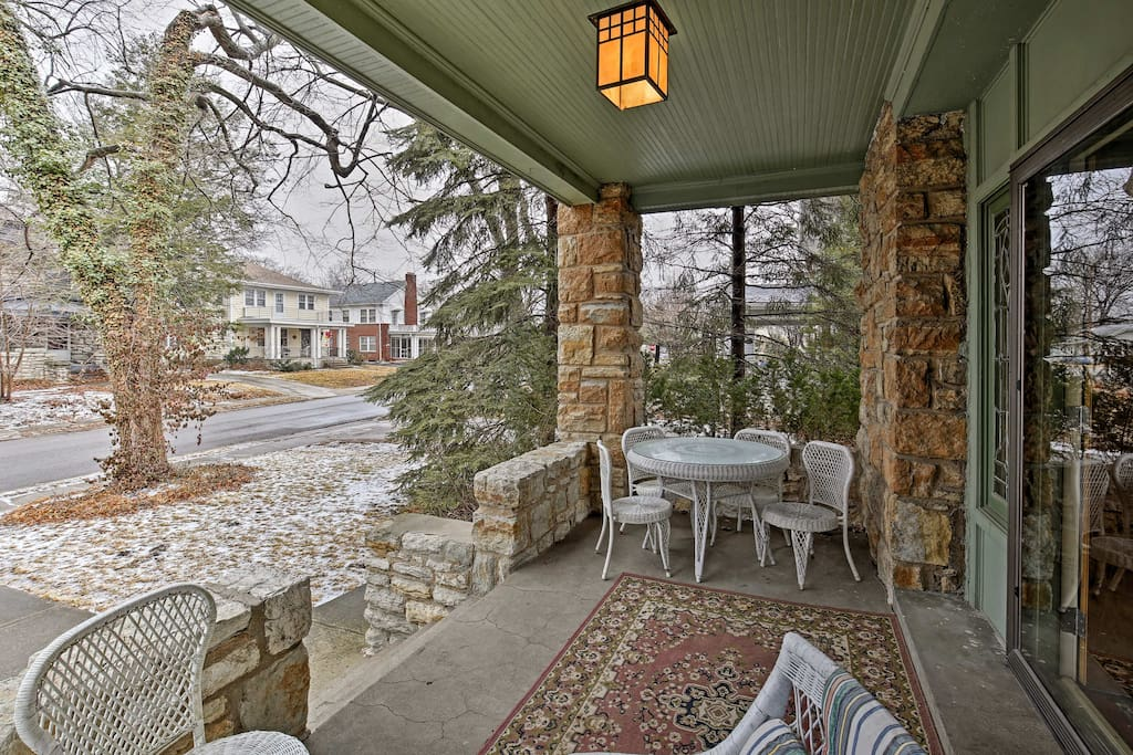 You'll have indoor and outdoor living spaces to enjoy!