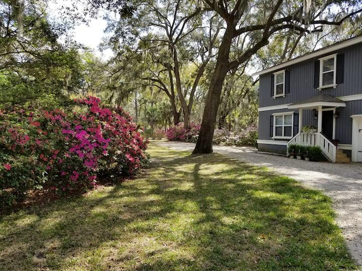 Camellia Carriage House - Savannah, GA