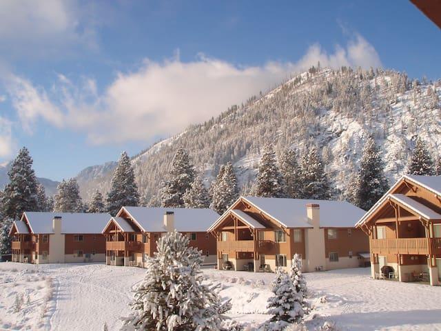 Alpine Haus - Welcome to Little Bavaria