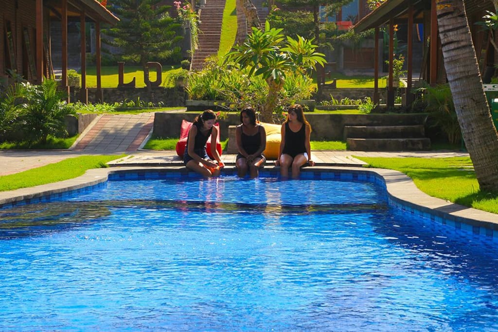The pool beside the rooms