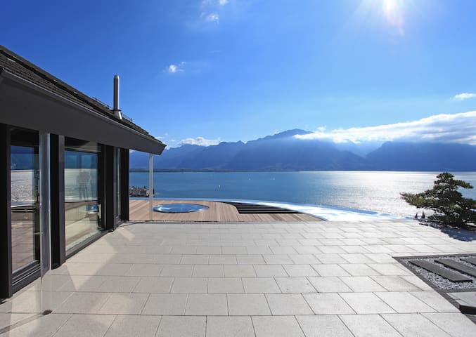 6BD Unique villa overlooking the lake and the Alps