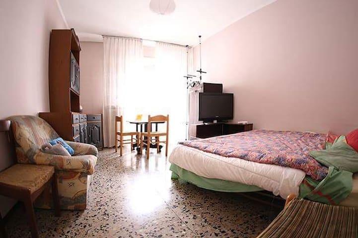 Double room 25 min from Duomo - Milão - Apartamento
