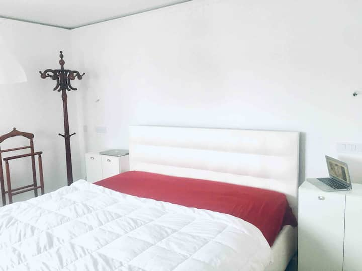 2 BR, 20 km from airp. Work online in nature