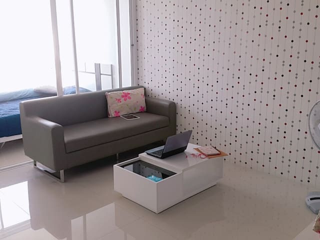 Great room (condo style) 1 bed - Pathum Thani - Apartment